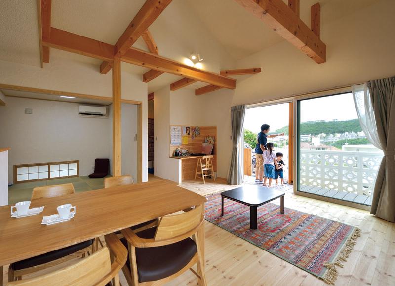 木造健康住宅で安心の子育て。 自然素材に包まれて 快適に暮らす