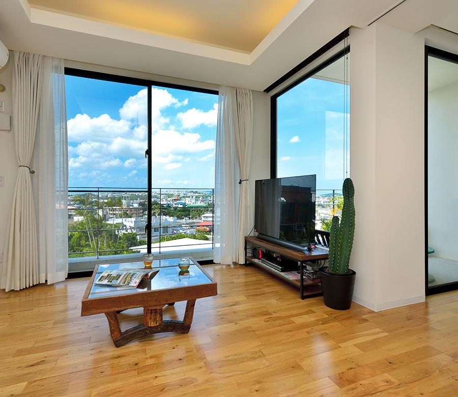 実家を二世帯住宅へ。 1階はバリアフリーで安全に、 2階は眺望のよさを生かす