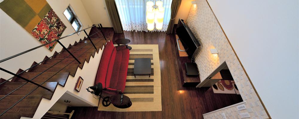 空間にゆとりと贅沢感 包容力のあるピロティハウス