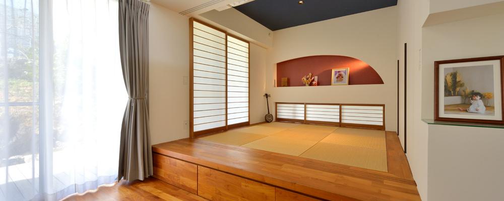 家中に視線が 真っすぐ伸びる リズミカルな 外観の明るい箱