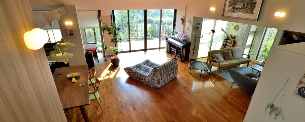 動線と視線をつなぎ、爽やかな空気が巡る家にリノベーション