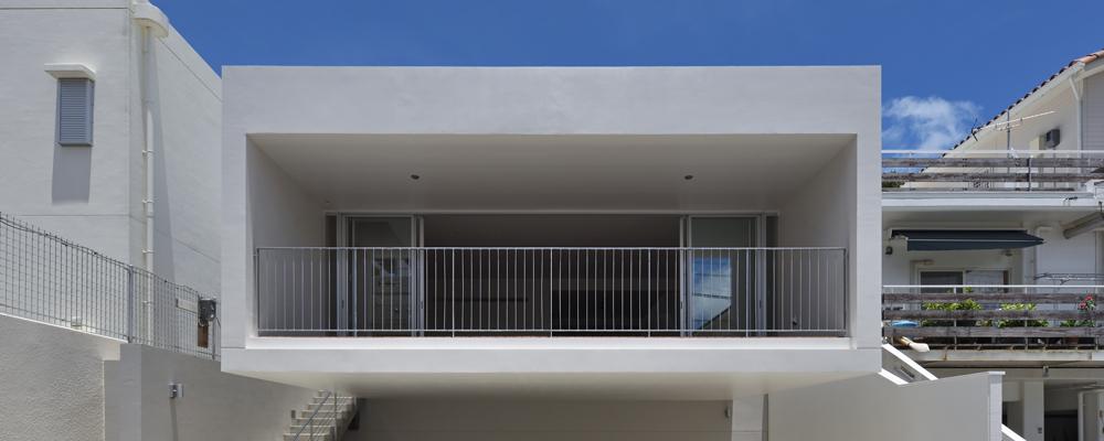 フレッシュな風が舞う 筒状の大開口を持つ家