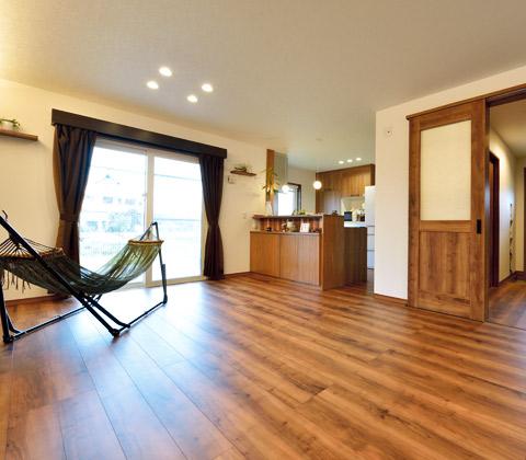 ライフスタイルを楽しむ防湿に優れたローコストの家