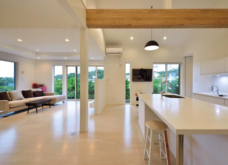回遊型の機能的な動線とともに、 素敵なアイデアが隅々に輝く家