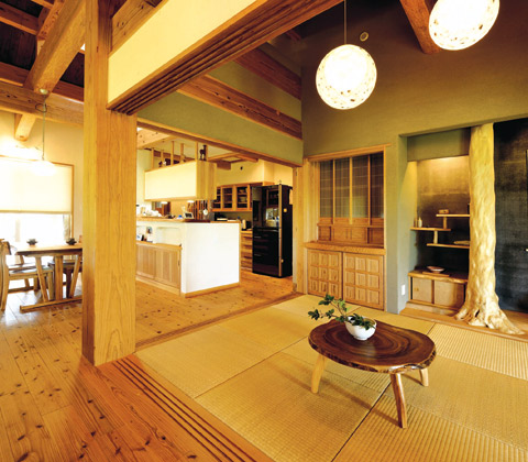 技術・素材・経験を駆使した 優しい空気に満ちた木造住宅
