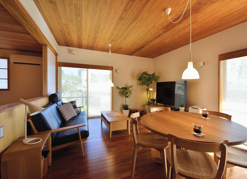 ほどよい距離感が睦まじい関係を育む、 豊かな住み心地を極めた家