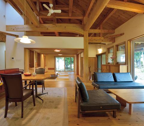健康と快適さを実現する断熱仕様 伝統を未来へつなぐ木造のムートゥヤー
